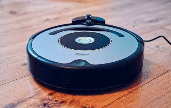 How does a robotic vacuum cleaner work