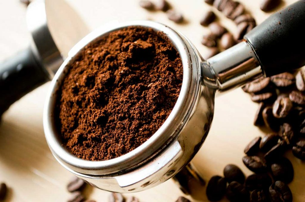 How to remove fish odor with coffee