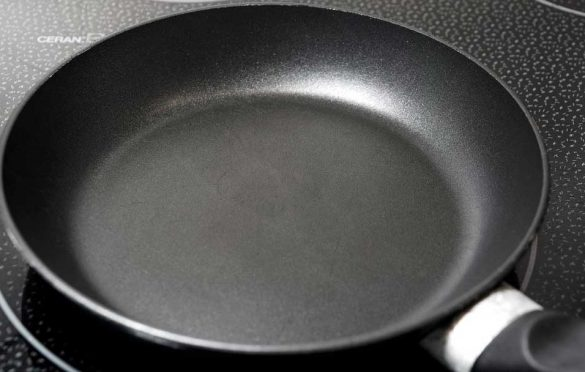 how to remove burnt food from non stick pan